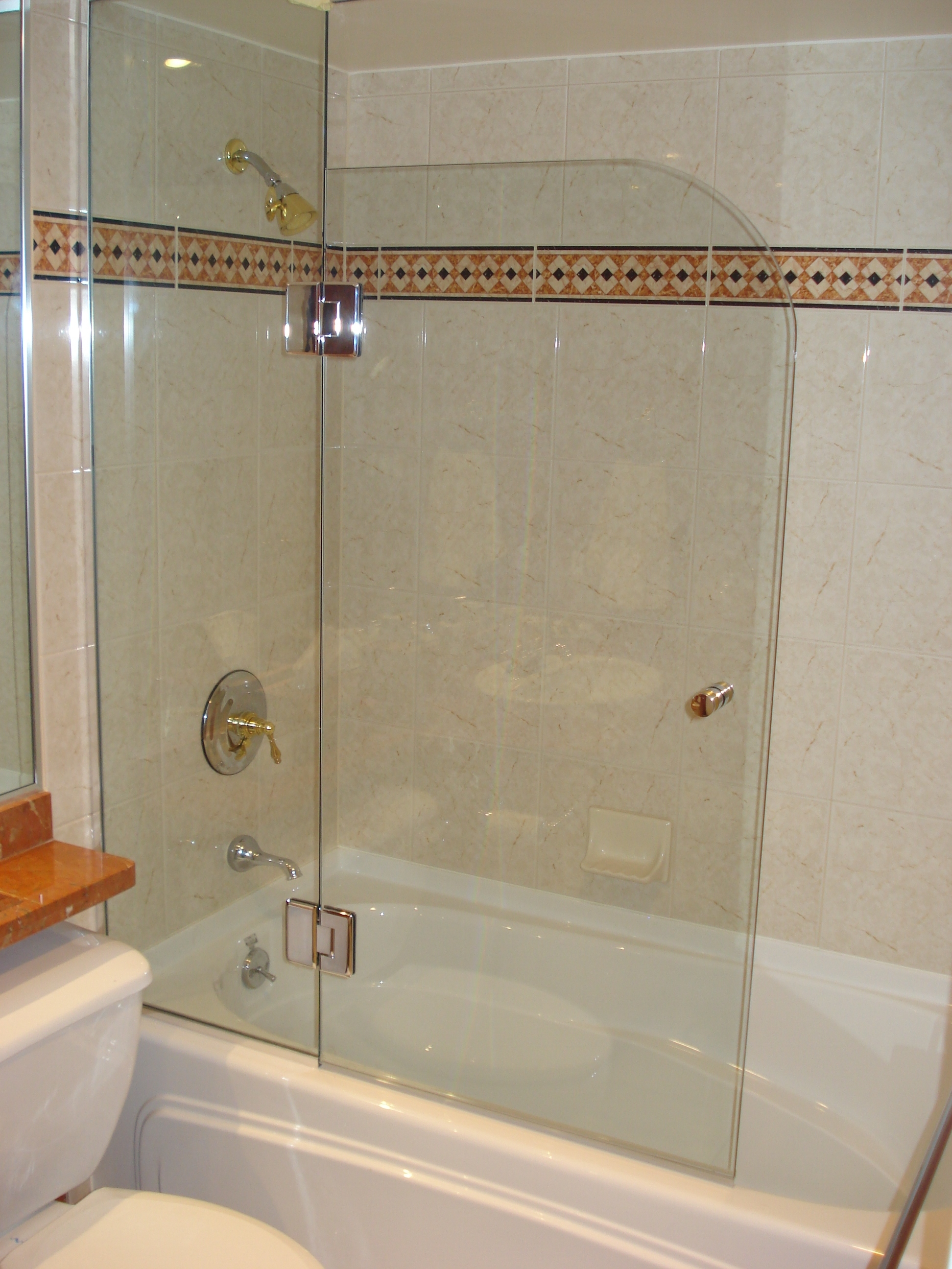 European style chrome finish kristy glass for European bathtubs